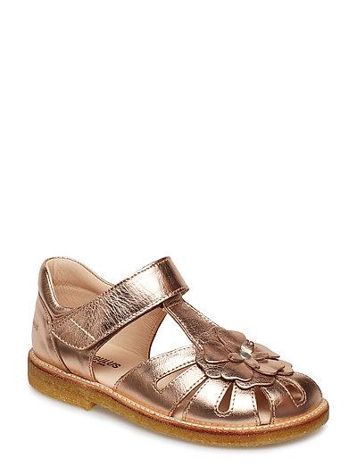 Sandals - Flat - Closed Toe - (1311