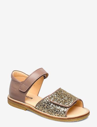 Sandals - flat - open toe - clo - remsandaler - 1433/2489 make-up/champagne