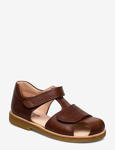 Sandals - flat - closed toe -  - remsandaler - 2509 cognac