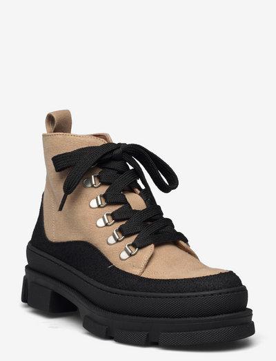 Boots - flat - with laces - flade ankelstøvler - 1321/2670 black/sand