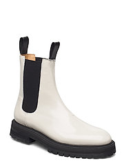 GOAL DIGGER Chelsea Boot - OFF WHITE PATENT