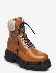 Apair - Chuncky ski - flat ankle boots - cognac - 0