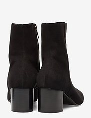 Plan low rounded bootie