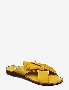 Half Botie flat sandal - GIALLO