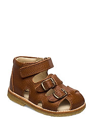 ECOLOGICAL STARTER SANDAL, MEDIUM/WIDE FIT - 20-COGNAC