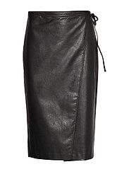 AX WOMAN SKIRT - BLACK