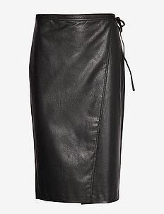 AX WOMAN SKIRT - BLACK
