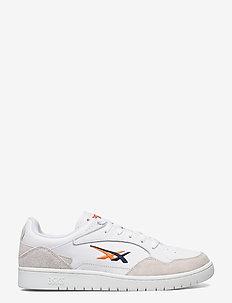 SKYCOURT - laag sneakers - white/marigold orange
