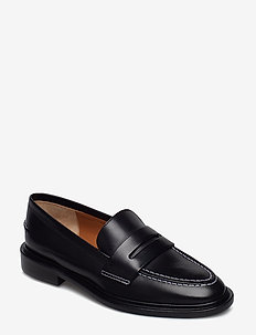 Monti Black Vacchetta - loafers - black
