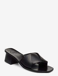 Ostuni Black Vacchetta - mules & slipins - black