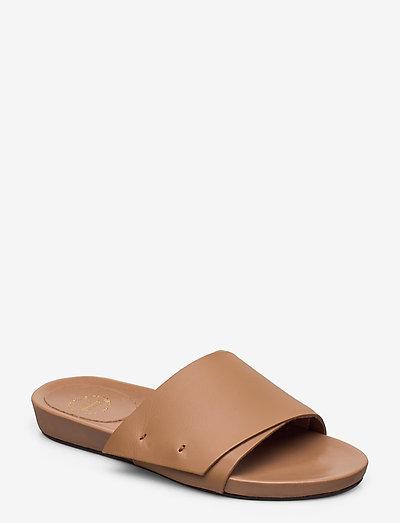 Manfio - flat sandals - almond