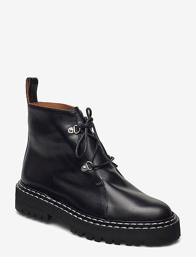 Cozzana Black Vacchetta - platta ankelboots - black