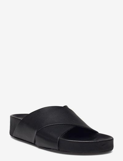 Urbino Black Vacchetta - płaskie sandały - black