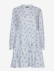 BYFALLON DRESS - - korte jurken - sky blue combi 1