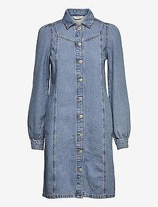 BYLYRA DRESS - - skjortekjoler - ligth blue denim