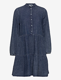 BYISELLE DRESS - - midi kjoler - ligth blue denim