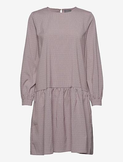 BXJUNA PEPLUM DRESS - hverdagskjoler - warm rose check