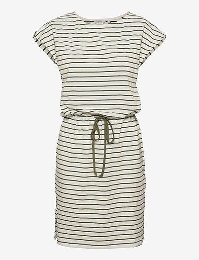 BYPANDINA TSHIRT DRESS - - sommerkjoler - olivine mix