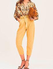ba&sh - JALIA TROUSERS - mom-jeans - yellow - 0