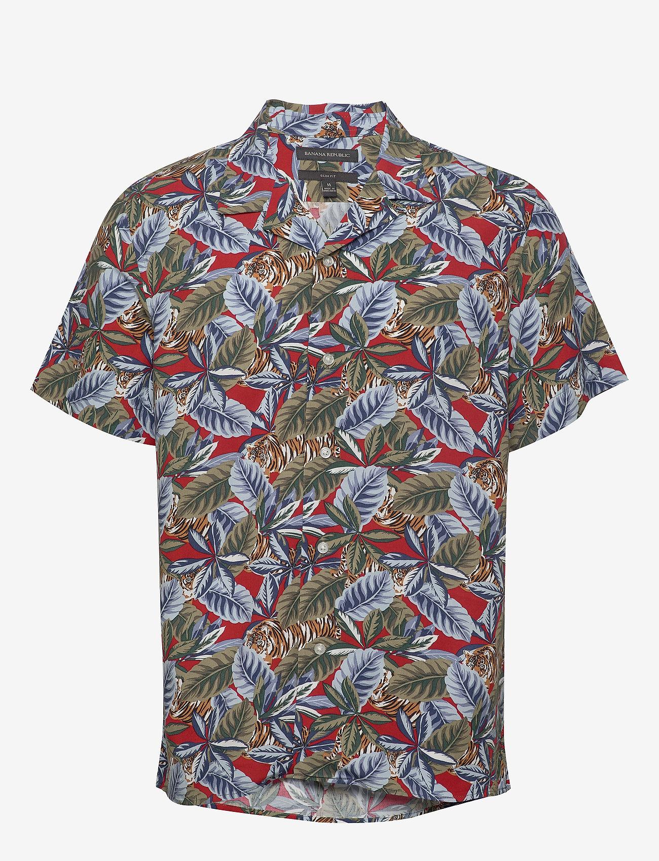 Banana Republic - Slim Soft Resort Shirt - short-sleeved shirts - saucy red - 0