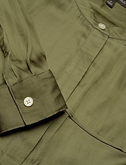 Banana Republic - I LS TRENCH MAXI DRESS - shirt dresses - jungle olive - 2
