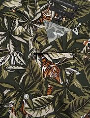 Banana Republic - Slim Soft Resort Shirt - short-sleeved shirts - olive - 3