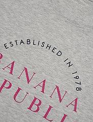 Banana Republic - I SS SU20 HTG GRAPHIC - t-shirts - light grey - 2