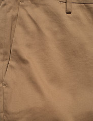 Banana Republic - Aiden Slim Rapid Movement Chino - chinos - airforce khaki - 2