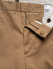 Banana Republic - Aiden Slim Rapid Movement Chino - chinos - airforce khaki - 3