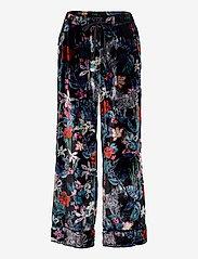 Banana Republic - Velvet Pajama Set - pyjama''s - fleur watercolor zebra - 2
