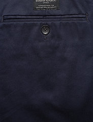 Banana Republic - Aiden Slim Rapid Movement Chino - chinos - preppy navy - 4