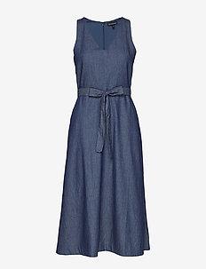 Chambray Midi Dress - MEDIUM WASH