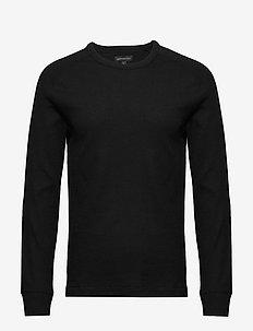 Core Temp Waffle-Knit T-Shirt - basic t-shirts - black
