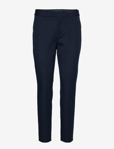 Modern Sloan Skinny-Fit Washable Pant - PREPPY NAVY