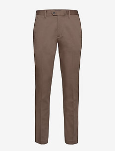JAPAN EXCLUSIVE Slim Elastic-Waist Traveler Chino - chinos - norwich brown