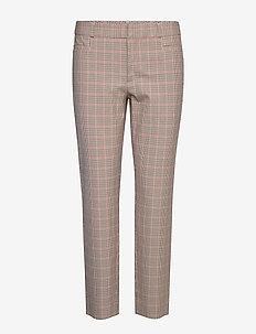 Modern Sloan Skinny-Fit Washable Pant - pantalons slim - camel