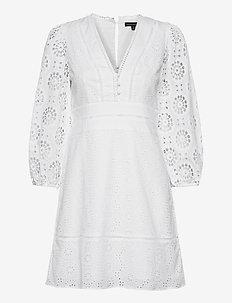 Eyelet Puff-Sleeve Mini Dress - courtes robes - white