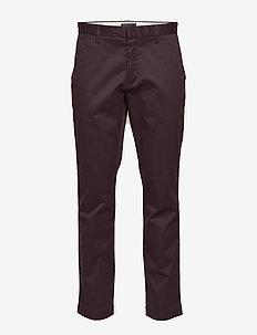 Aiden Slim Rapid Movement Chino - pantalons chino - grape juice