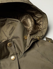 Barbour - B.Intl Qualify Jacket - trenchcoats - lt army green - 4