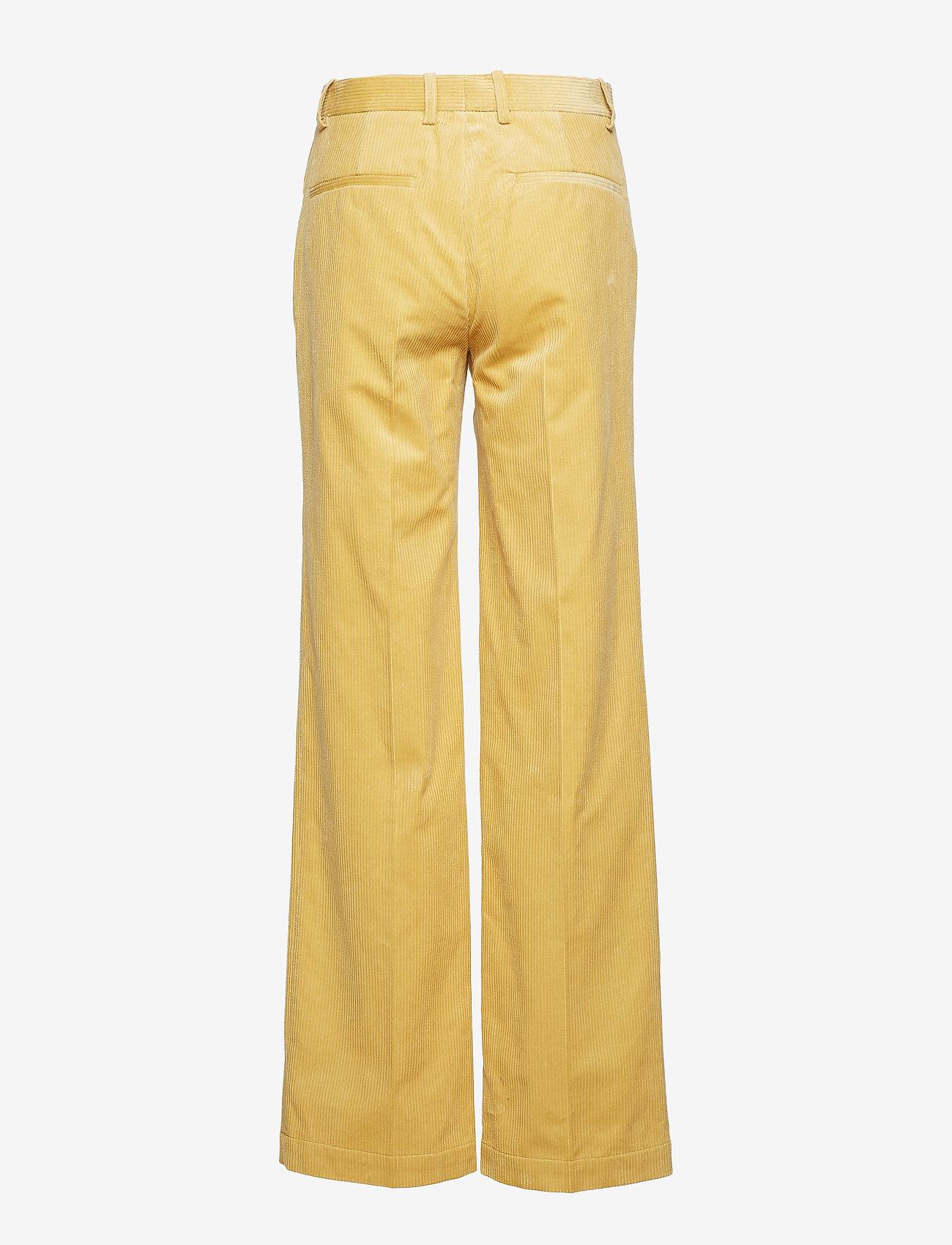 Baum und Pferdgarten - NOYA - flared jeans - raffia yellow - 1