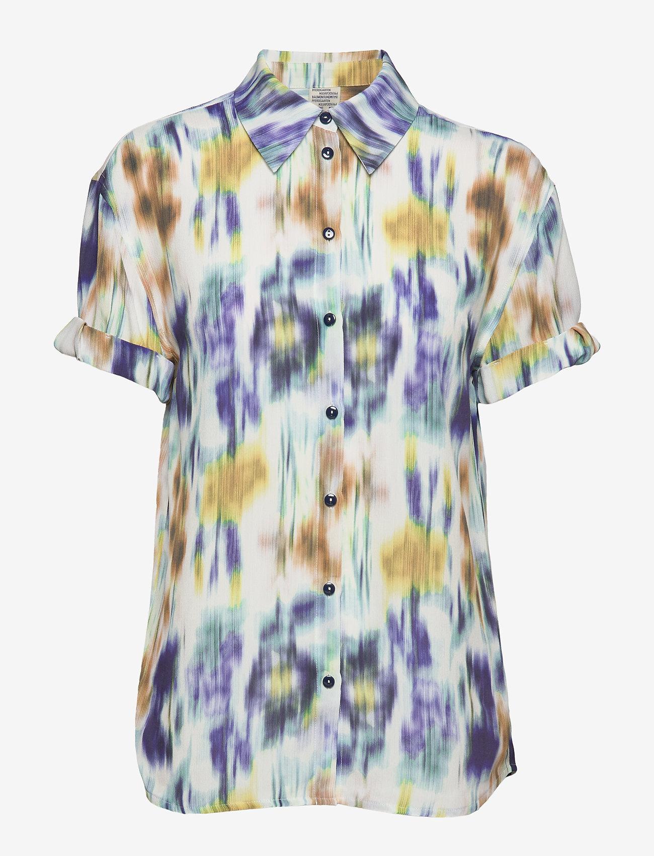 Baum und Pferdgarten - MOANNA - blouses à manches courtes - white blue floral blur - 0