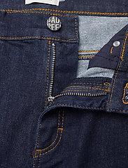 Baum und Pferdgarten - NIKKI - jeans droites - denim rinse - 2