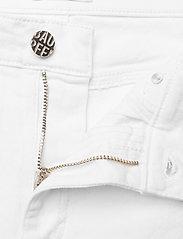 Baum und Pferdgarten - NIKKI - slim jeans - white denim - 2