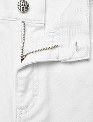 Baum und Pferdgarten - NOLA - vide jeans - white denim - 4