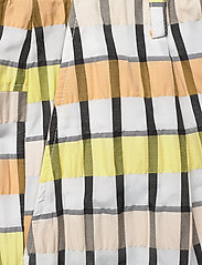 Baum und Pferdgarten - NEMA - casual trousers - peachyellowblack check - 3