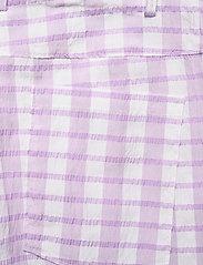 Baum und Pferdgarten - NEMA - casual trousers - creamy lilac check - 4