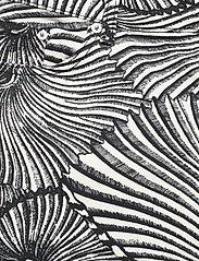 Baum und Pferdgarten - NANCY - straight regular - black tiger shell - 2