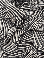 Baum und Pferdgarten - BECCA - vestes en jean - black tiger shell - 4