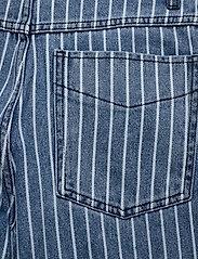 Baum und Pferdgarten - NIKKA - szerokie dżinsy - blue stripe denim - 4