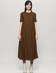 Baum und Pferdgarten - ALAISA - maxi dresses - carafe brown - 0